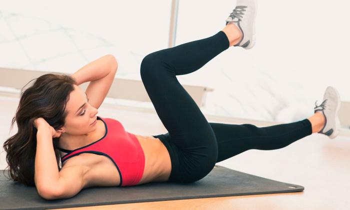 Комплекс упражнений для похудения дома для женщин и девушек
