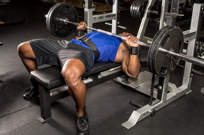 Тренировка груди, жима лёжа, программа на силу и массу